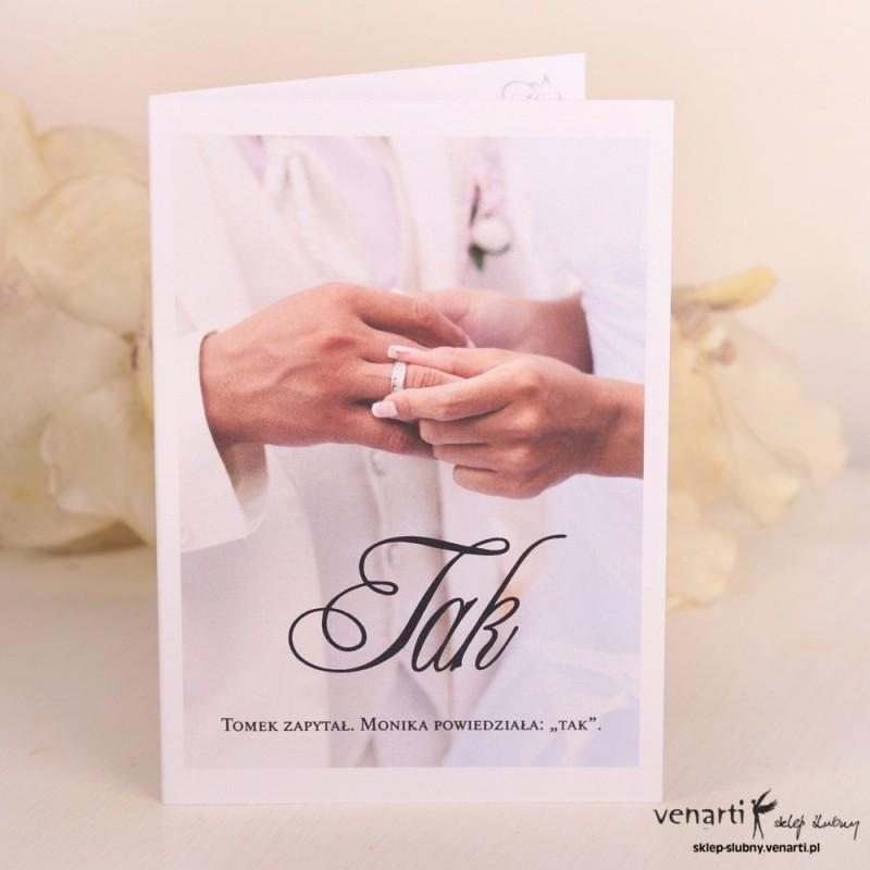 Zaproszenie ślubne Zakładanie obrączki