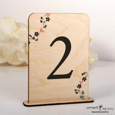 Weselne drewniane numerki na stół - wzór kwiatowy