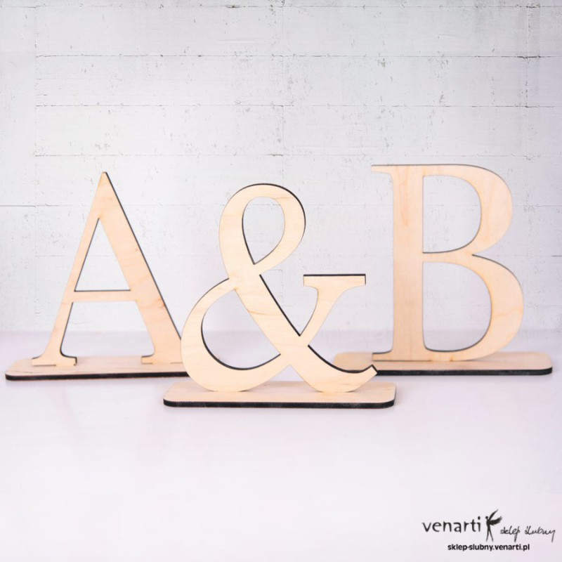 Litery na stół oddzielne