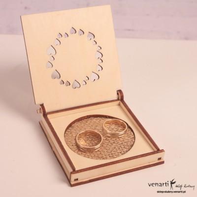 Drewniane pudełko na obrączki PUO004