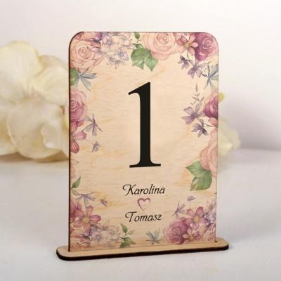 Ślubne drewniane numerki na stół kwiatowe