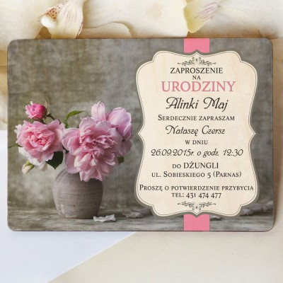 Drewniane zaproszenie na urodziny K18D005