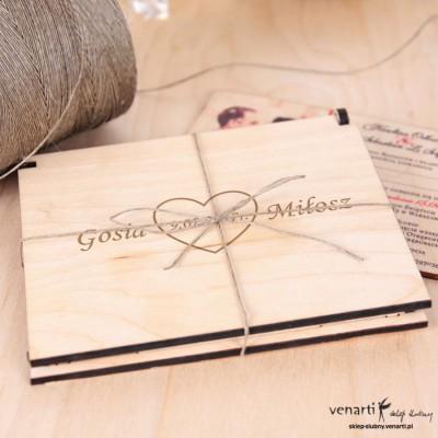Dla Rodziców dowolny wzór zaproszenia + pudełko drewniane