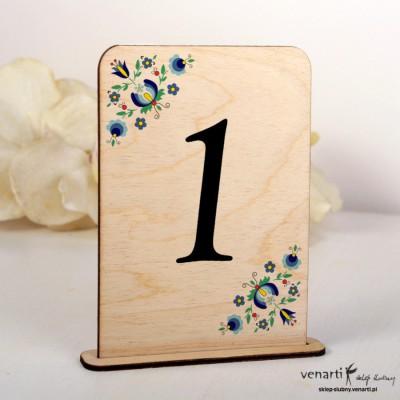 Wzorek kaszubski Ślubne drewniane numerki na stół