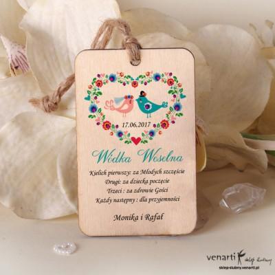 Folkowe praszki w sercu Ślubne drewniane zawieszki