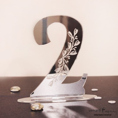 Ślubne, lustrzane numerki na stół