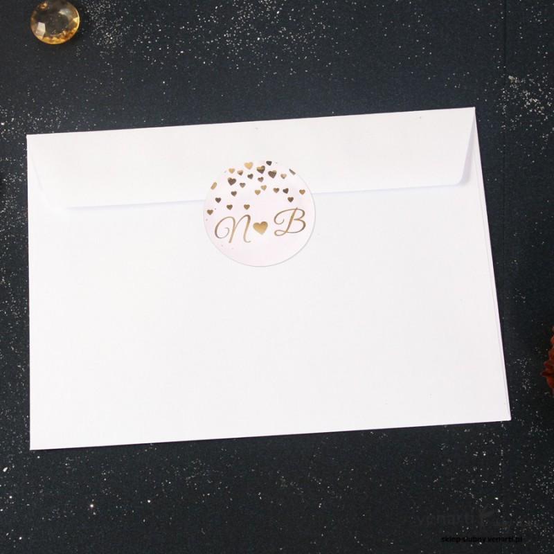 Złocone naklejki na koperty w serduszka