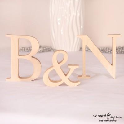 Drewniane litery dekoracyjne