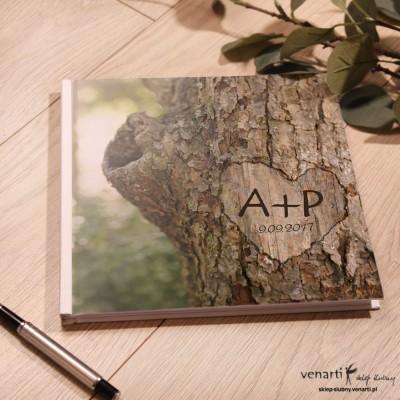 Kora z drzewa Ślubny, biały album, księga gości