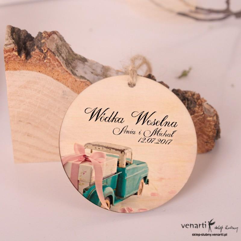 Samochód z prezentem - Ślubne, drewniane zawieszki