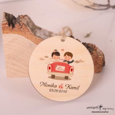 Para w samochodzie - Ślubne, drewniane zawieszki