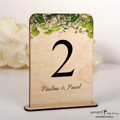 Białe kwiaty Ślubne drewniane numerki na stół