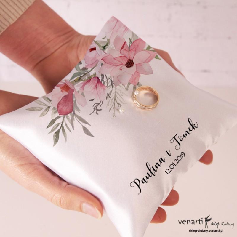 Poduszka na obrączki z nadrukiem magnolii