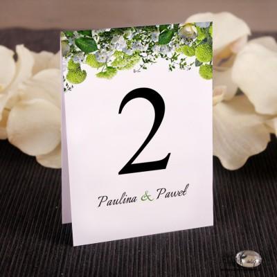 Białe kwiaty Ślubne numerki na stół
