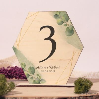 Liście eukaliptusa z geometryczną ramką Ślubne drewniane numerki na stół