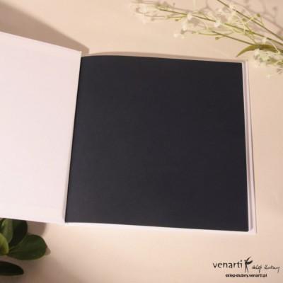 Zmiana koloru kartek w księgach gości