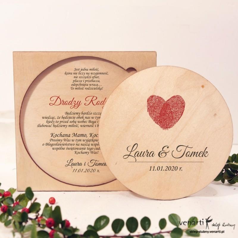 Serce z odcisków drewniane zaproszenia dla Rodziców
