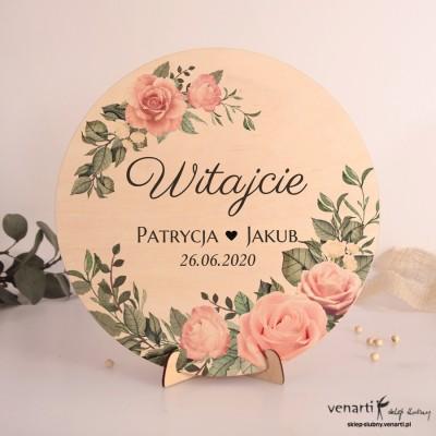 Pudrowe róże Drewniana tablica powitalna Koło