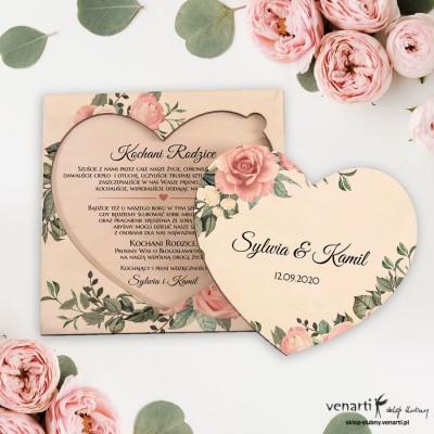 Pudrowe róże drewniana prośba o błogosławieństwo