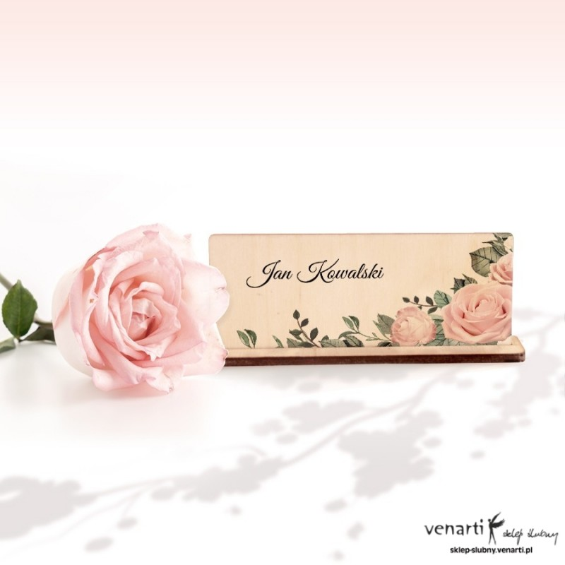 Pudrowe róże Winietki ślubne drewniane