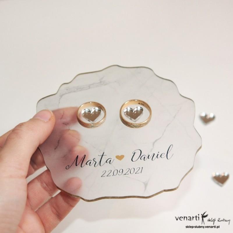 Ślubny, satynowy talerzyk na obrączki Marmur